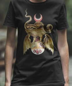woman black Tee Shirt with the design of a Dragon